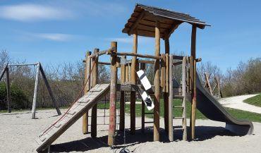 Jak projektowaæ bezpieczne place zabaw dla dzieci?