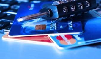 Jak korzystać z kart kredytowych, żeby nie stracić pieniędzy?
