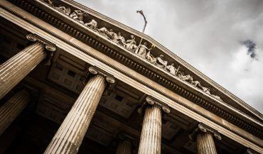 Wybór kancelarii adwokackiej – co ma największe znaczenie?
