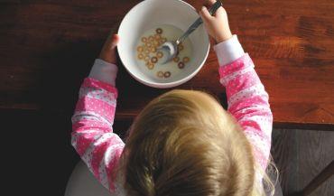 Krzesełka do karmienia – wszystko, co musisz wiedzieć przed zakupem
