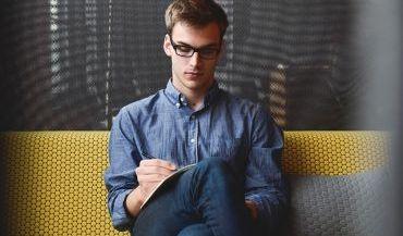Kiedy obliczanie wynagrodzenia warto powierzyć zewnętrznej firmie?