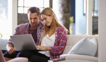 Porównaj kredyty online z domu