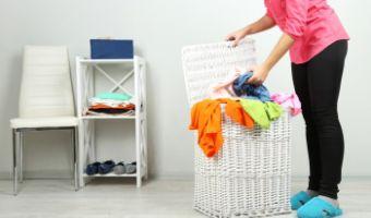 Sprytne sposoby na pranie w małym mieszkaniu