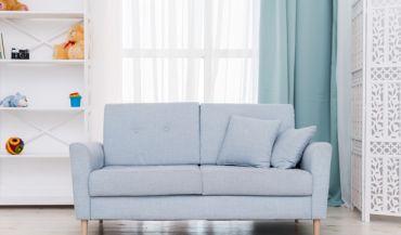 Sofa z funkcją spania – jak urządzić mały salon?