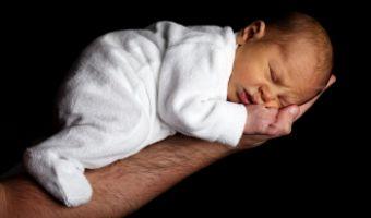 Czego potrzebuje niemowlê do spania?