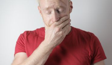 Stan zapalny jamy ustnej – jak sobie z nim radzić?