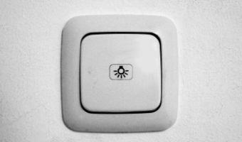 Jaki samodzielnie podłączyć włącznik światła w swoim domu?