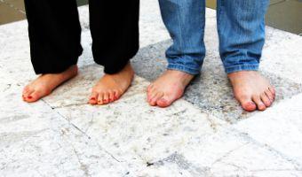 Objawy i sposób leczenia wrastających paznokci