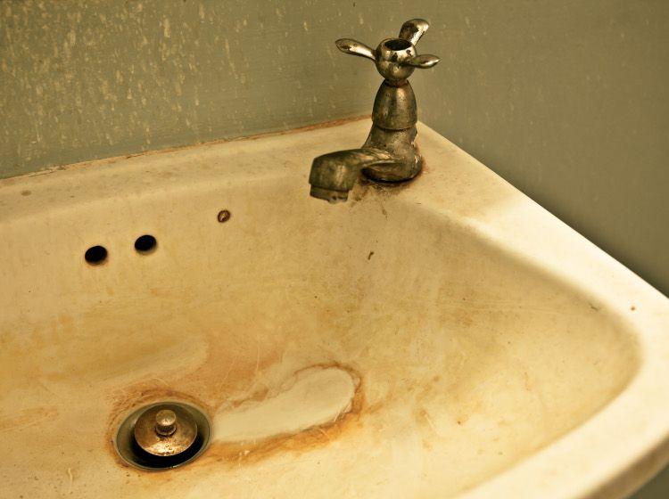 z³y stan wody w domu